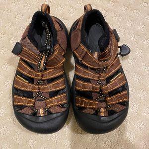 Like New Keen Sandals Newport H2 Kids Sz 10